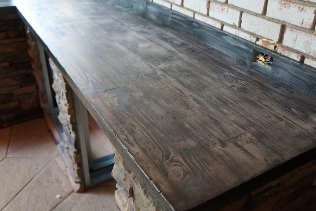 We also made custom wood grain concrete backsplashes.