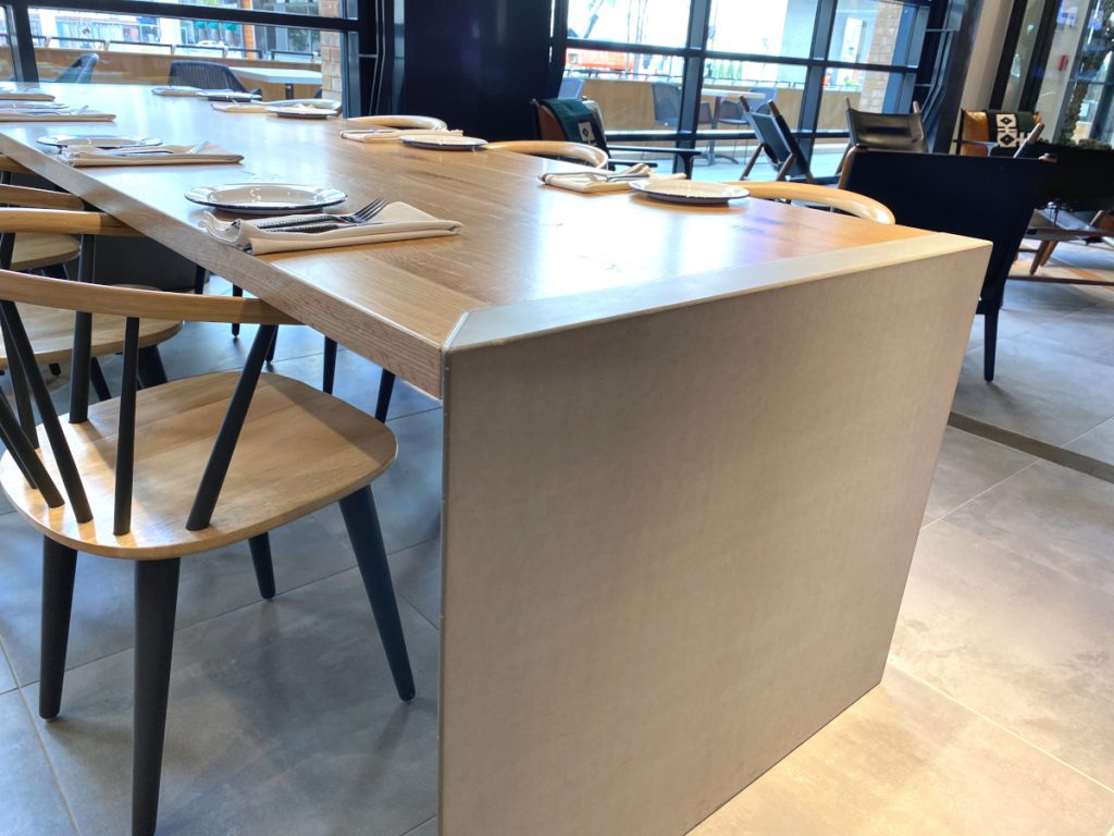 Wooden Restaurant Seating Table with Concrete Table Leg