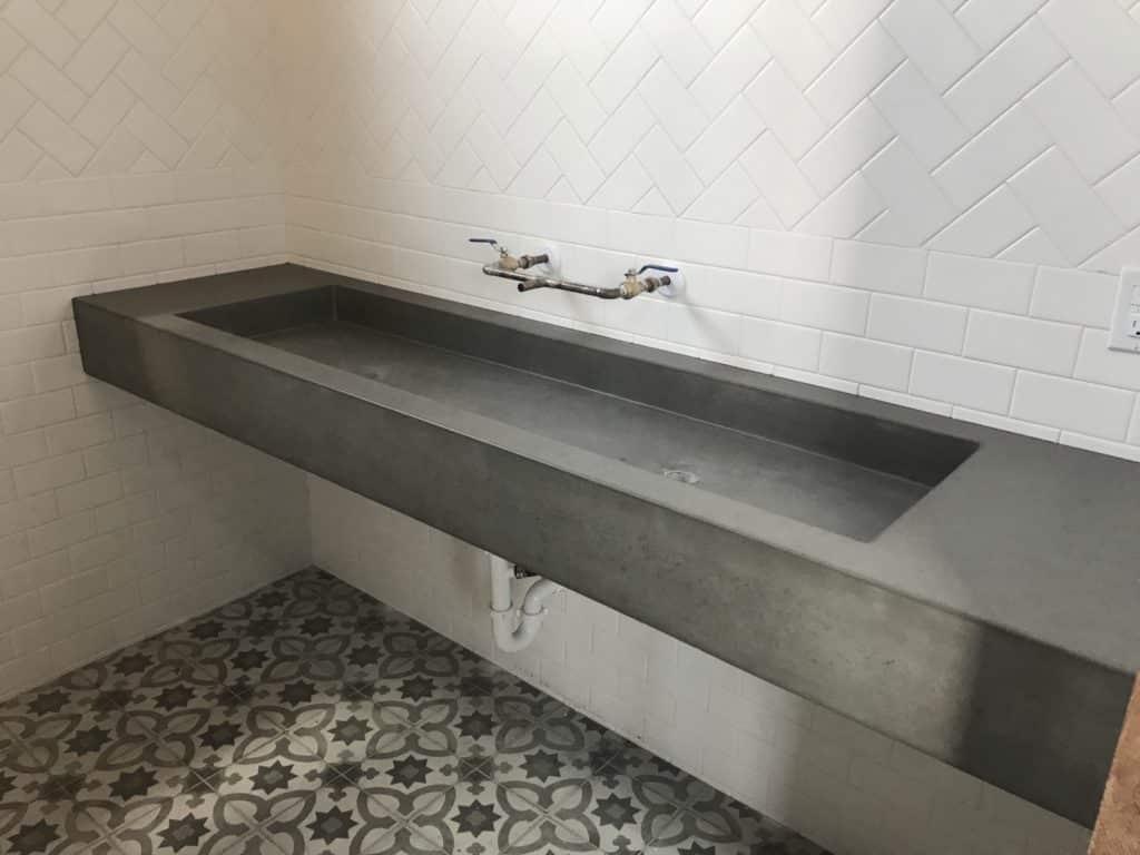 Great Looking Floating Troth Sink