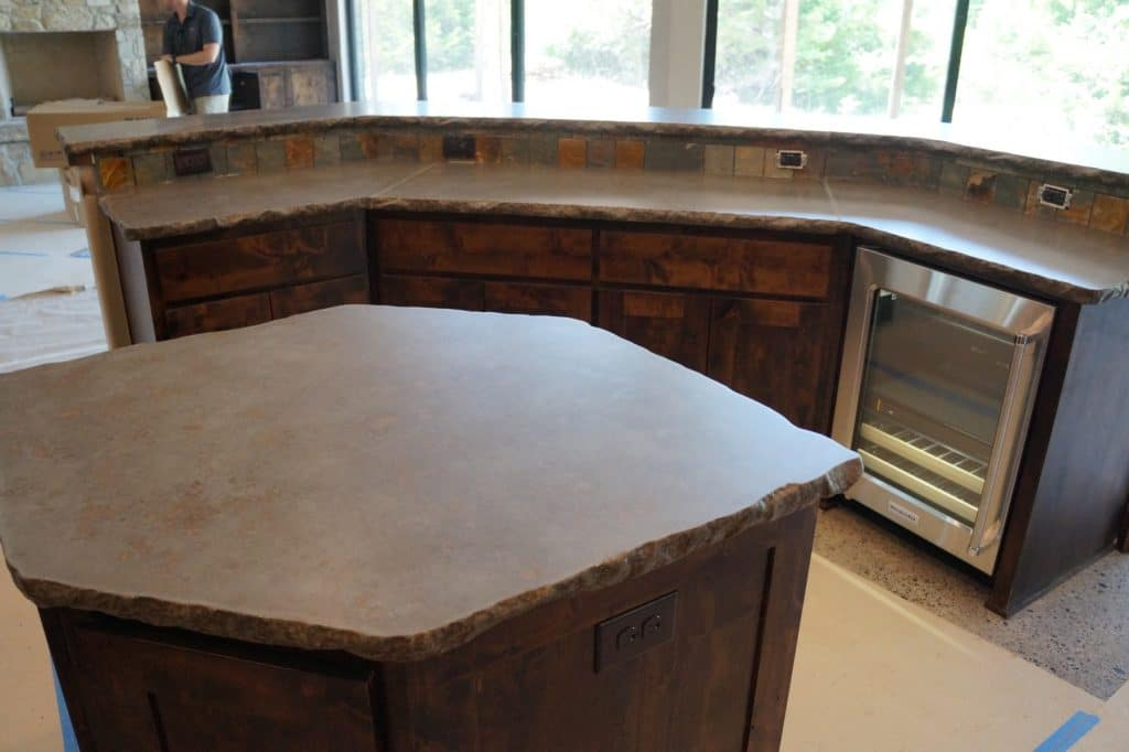 The brown fill really ties the countertops in with the cabinets.