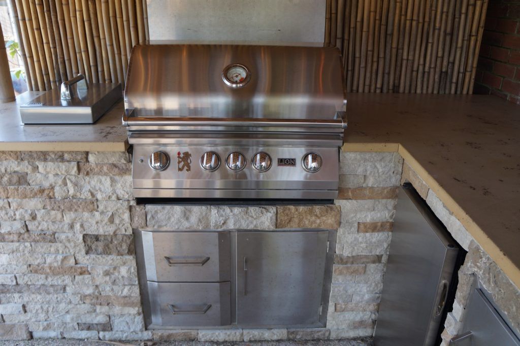 Nice Grill to match the nice countertops.